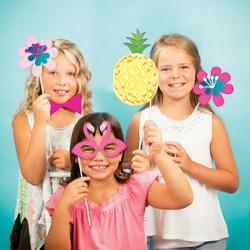 10 Photo Booth Tropical Party